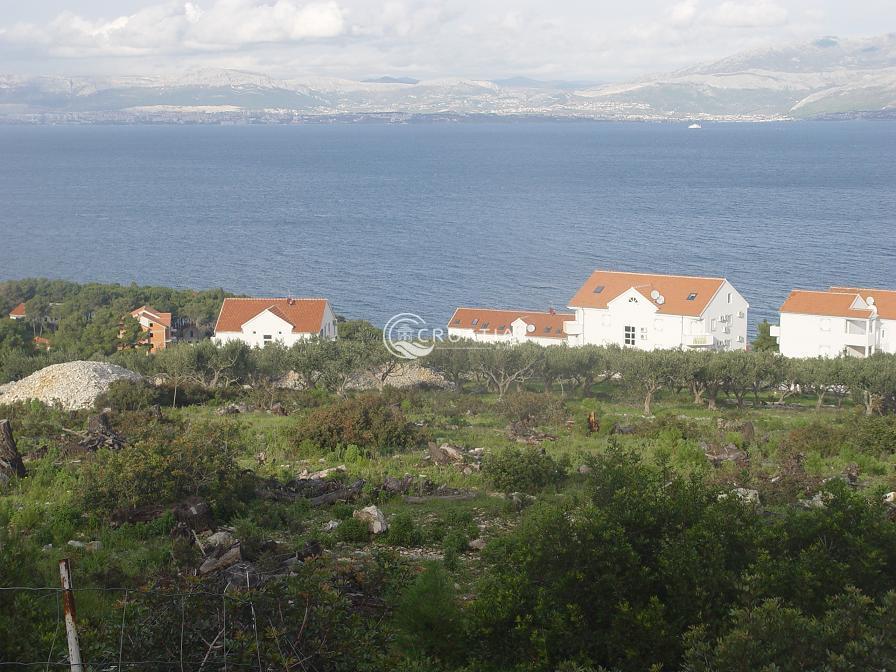 Land in Sutivan on island Brač