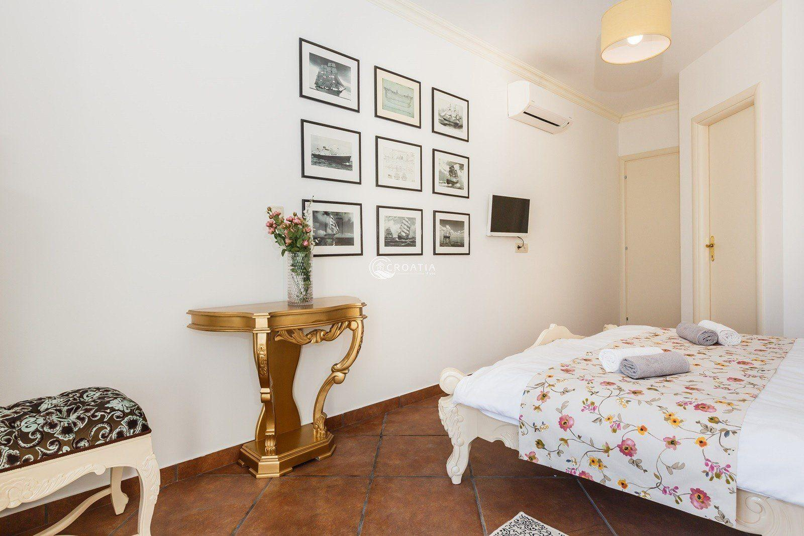 Beautiful first line Villa in Marina