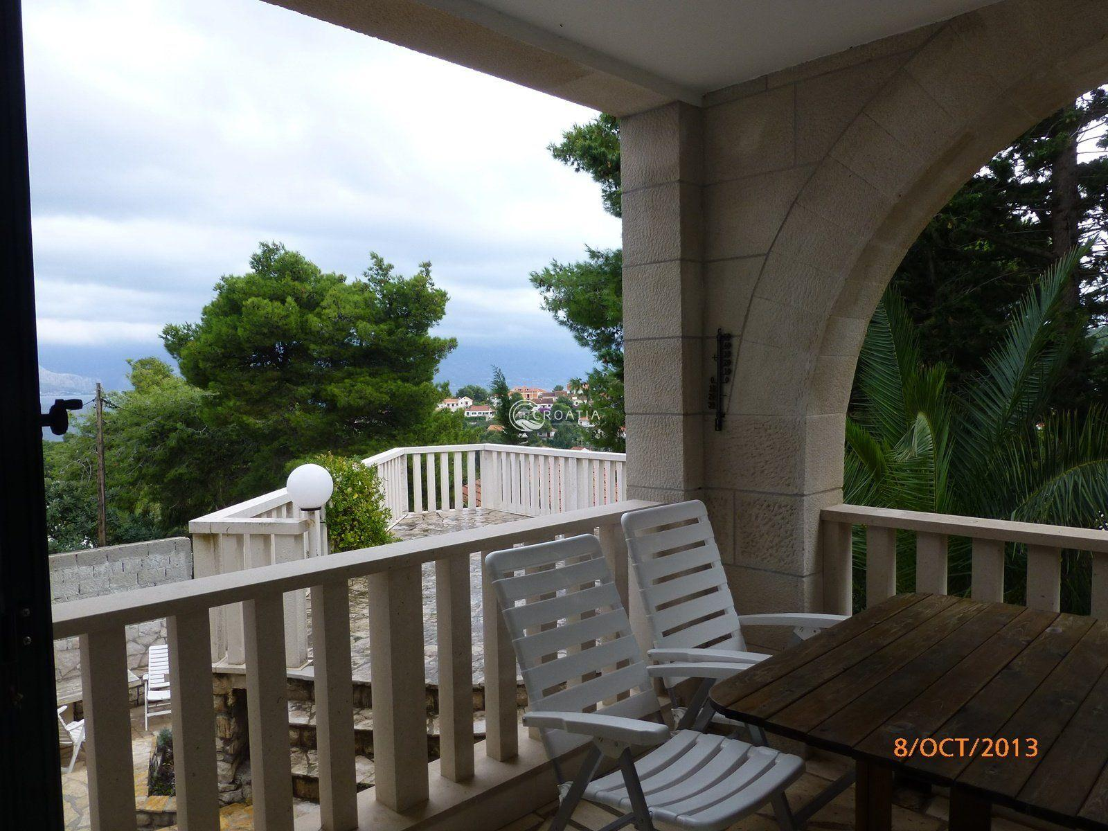 Stone house for sale on the island of Brač