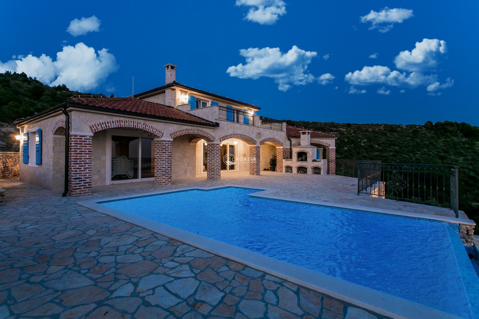 Beautiful Villa with a pool in Rogoznica
