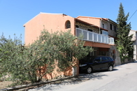 House with apartments for sale in Podstrana