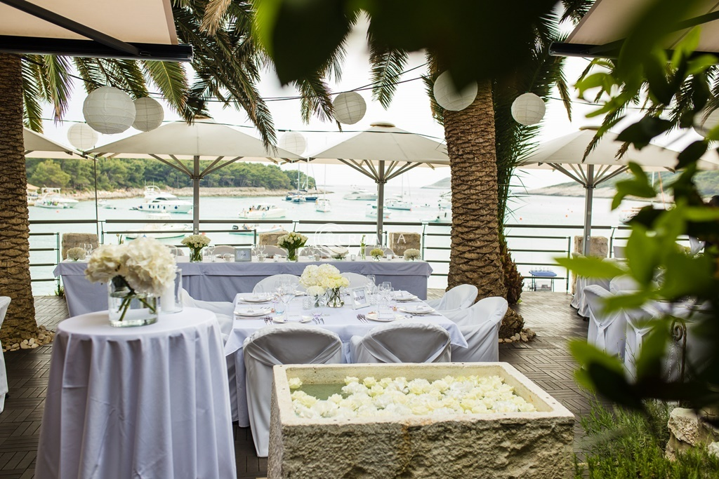 Wedding in Zori restaurant on island Hvar, Palmižana