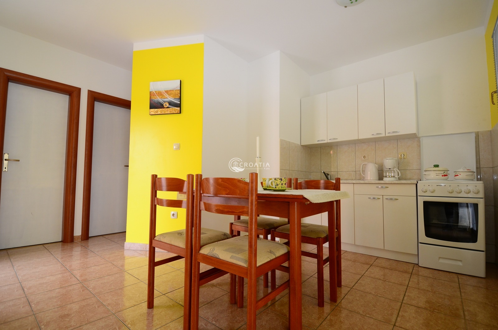 Apartment house with swimming pool on Ciovo