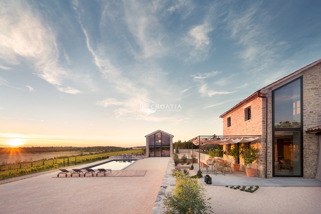 New luxury vineyard Villas