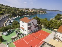 First line Villa with tennis court- Šibenik area