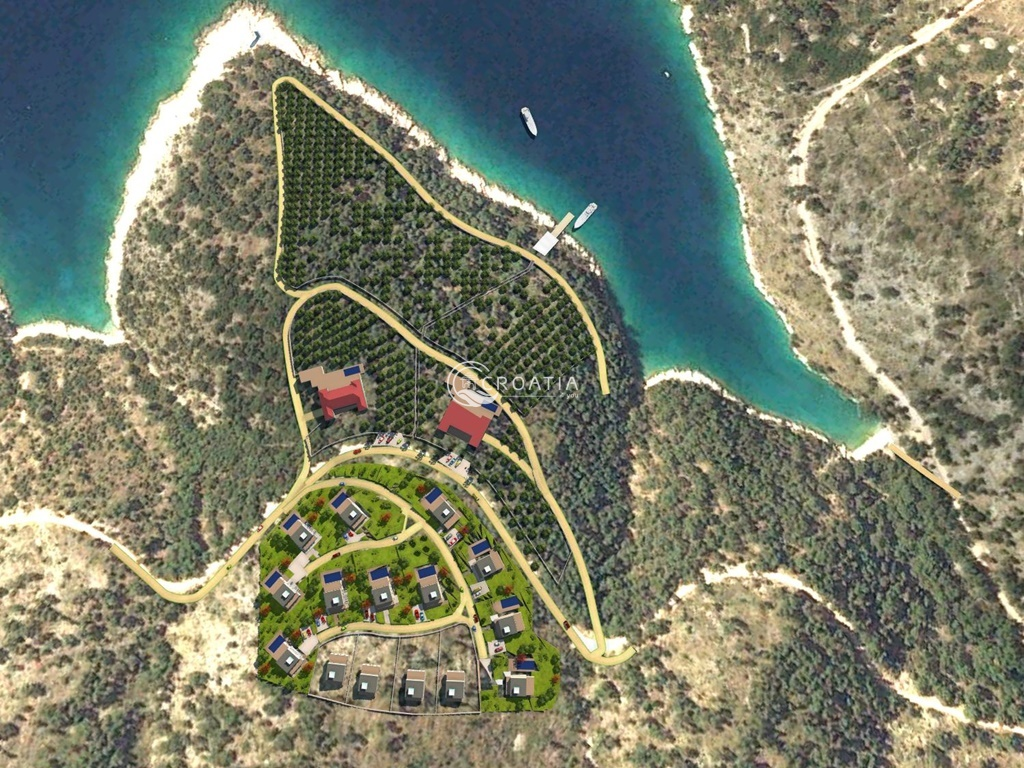 Building land on island Brac, 120 m from the sea